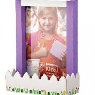 Home Depot: Free Picket Fence Photo Frame