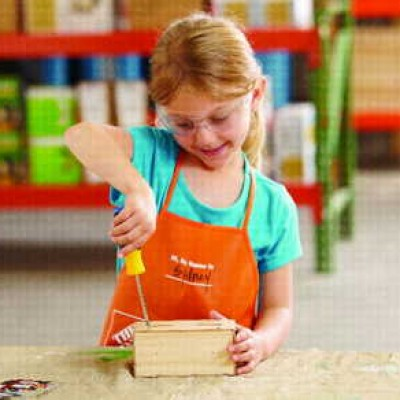 Home Depot Kid's: Build A Free School House Bank