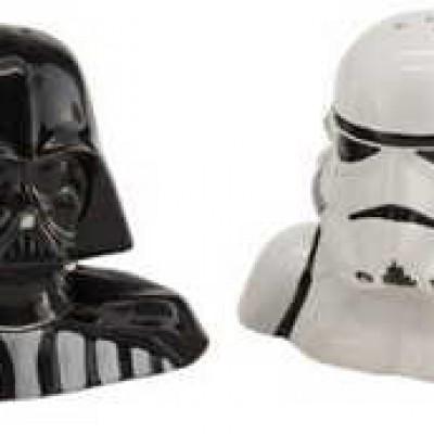 Star Wars Salt & Pepper Shakers Just $16.00 (Reg $23.99)