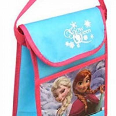 """Disney Frozen """"Snow Queen"""" Lunch Bag Just $6.69 (Reg $18.99) + Prime"""
