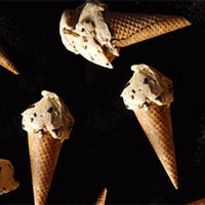 Haagen-Dazs: Free Cone Day - May 10th