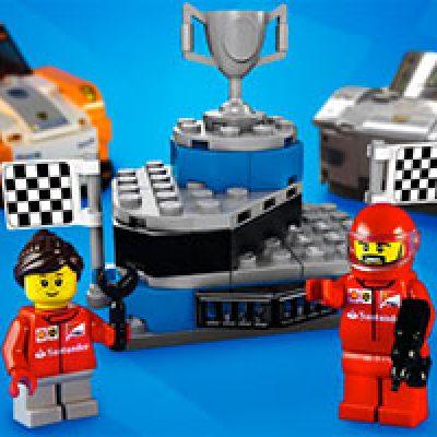 "Toys ""R"" Us: Free Mini LEGO Winner's Podium"