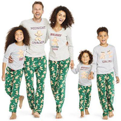 Women's Holiday Pajamas Set Just $10.00 (Reg $17)